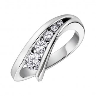 Graduated Diamond 9ct White Gold Dress Ring
